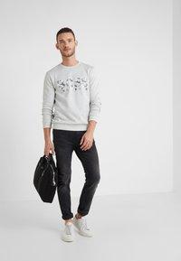 BOSS - SALBO ICONIC  - Sweatshirt - light pastel grey - 1