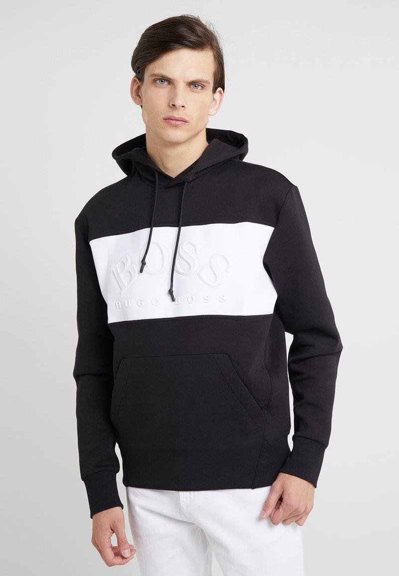 BOSS - SLY  - Bluza z kapturem - black