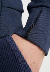 BOSS - SOODY - Bluza z kapturem - blue/silver - 5