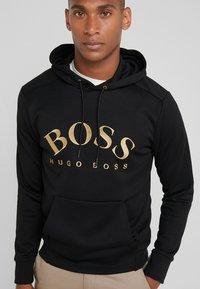 BOSS - SOODY - Felpa con cappuccio - black/gold - 3