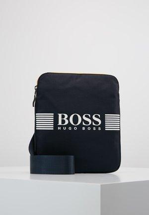 PIXEL ZIP - Across body bag - navy