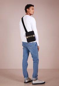 BOSS - PIXEL ZIP - Across body bag - black - 1