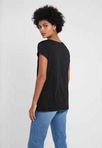 Barbour International - DORAN TEE - Print T-shirt - black - 2
