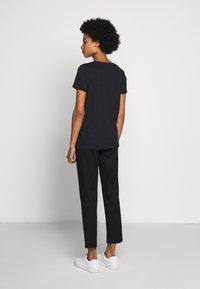 Barbour International - LIGHTNING TEE - Print T-shirt - black - 2