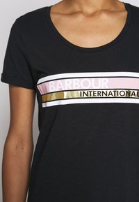 Barbour International - LIGHTNING TEE - Print T-shirt - black - 5