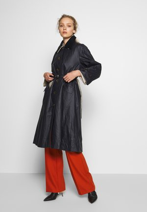 MILDRED CASUAL - Trenchcoat - navy/tattersal check