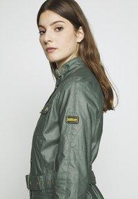 Barbour International - BEARINGS CASUAL - Summer jacket - tussock - 5
