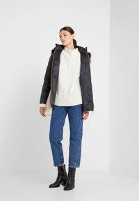 Barbour International - HAMPTON QUILT - Zimní kabát - black - 1