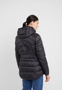 Barbour International - HAMPTON QUILT - Zimní kabát - black - 8