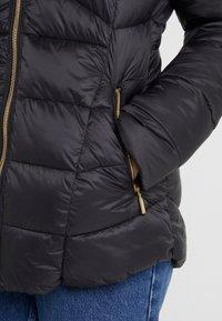 Barbour International - HAMPTON QUILT - Zimní kabát - black - 5