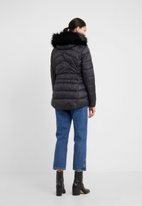 Barbour International - HAMPTON QUILT - Zimní kabát - black - 2