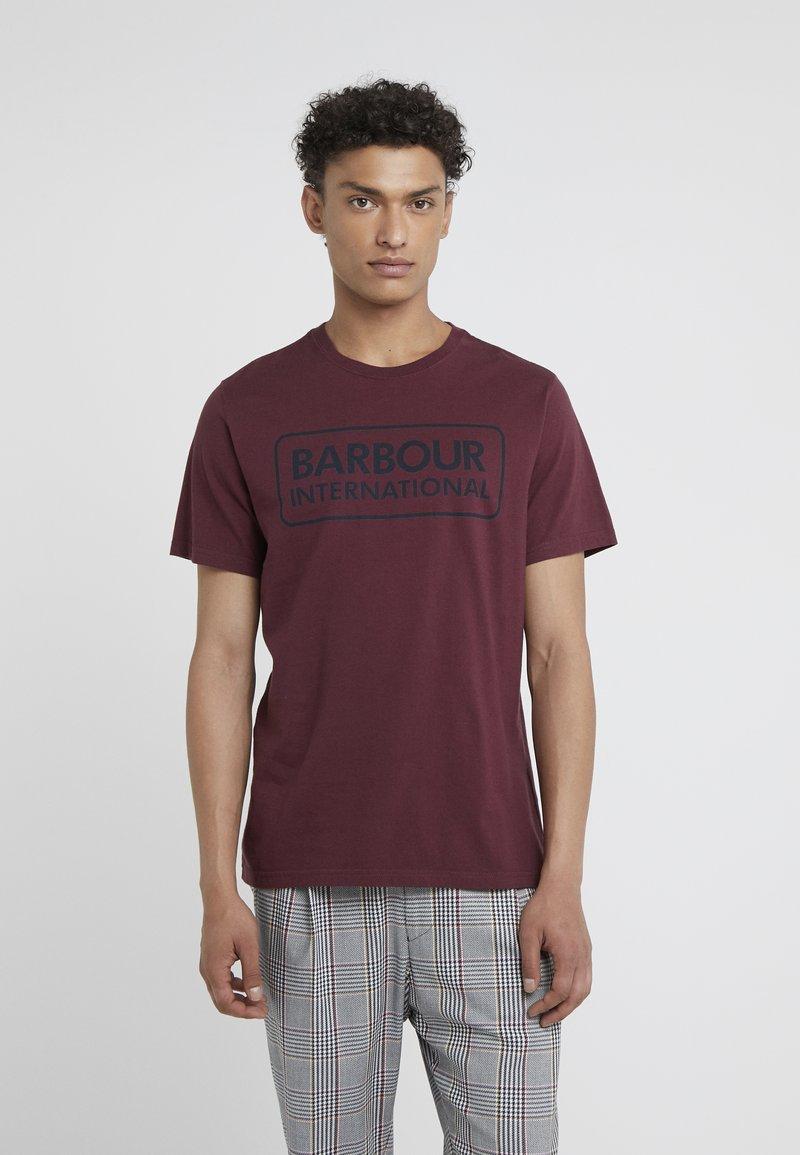 Barbour International - ESSENTIAL LARGE LOGO TEE - T-Shirt print - merlot