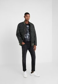 Barbour International - MONO TEE - T-shirt print - black - 1
