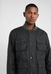 Barbour International - EDHILL WAX - Bomberjacks - olive - 3