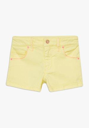 Denim shorts - lime