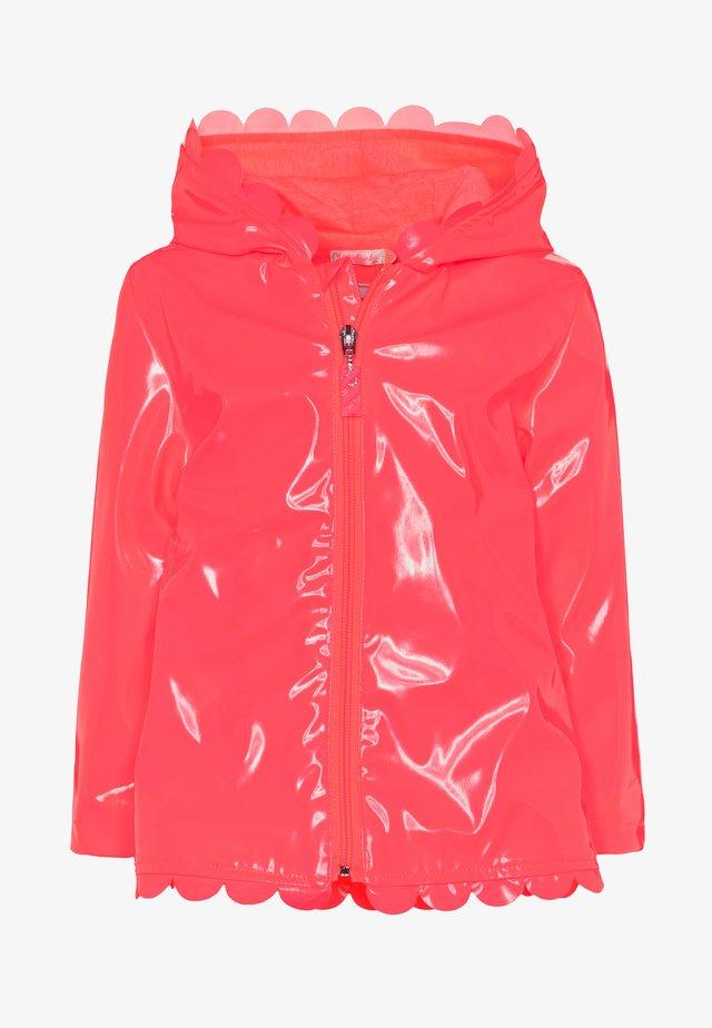 RAIN COAT - Regnjakke / vandafvisende jakker - fuchsia