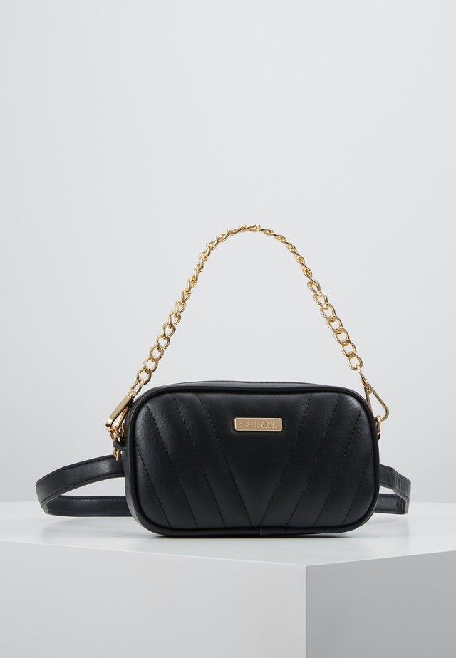 LABEL BUM BAG - Gürteltasche - montreal black