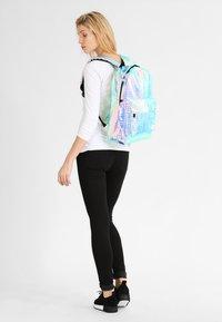 Spiral Bags - OG PLATINUM - Batoh - blush holographic - 1