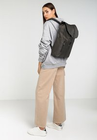 Spiral Bags - TRIBECA - Rugzak - industry olive - 6