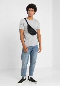 Spiral Bags - CORE BUM BAG - Bältesväska - black - 1