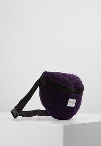 Spiral Bags - PLATINUM BUM BAG - Ledvinka - violet - 3