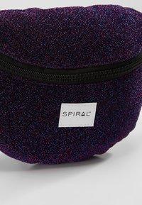 Spiral Bags - PLATINUM BUM BAG - Ledvinka - violet - 7