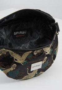 Spiral Bags - BUM BAG - Rumpetaske - paradise birds /black - 4