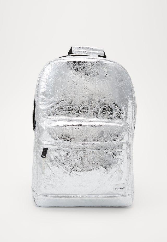 Tagesrucksack - silver glaze