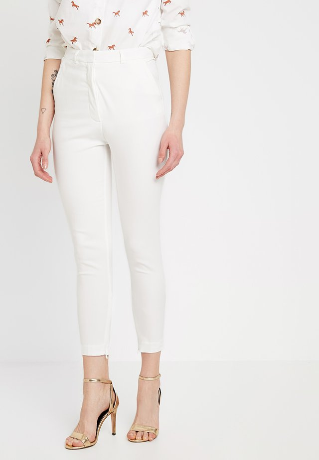 MAJA - Spodnie materiałowe - white