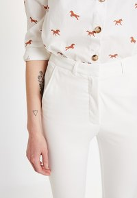 Bik Bok - MAJA - Kalhoty - white - 4