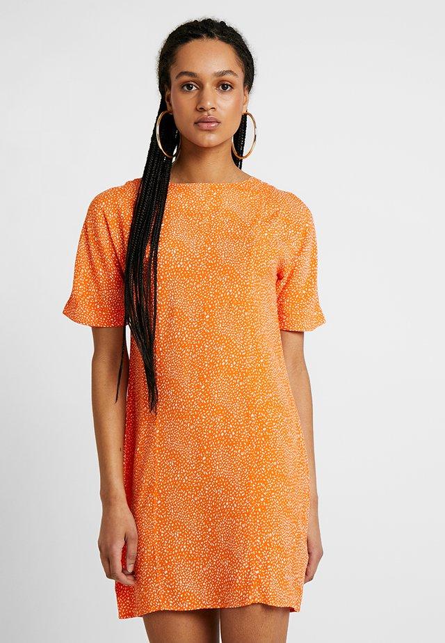 MISS - Freizeitkleid - orange
