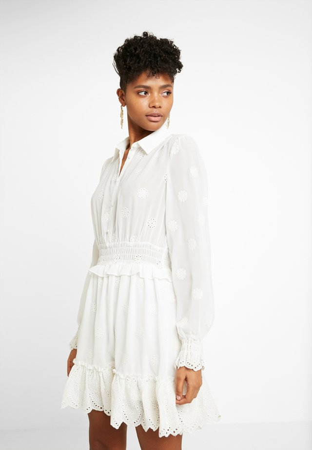 ESTELLE - Skjortklänning - white