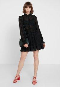 Bik Bok - ESTELLE - Skjortklänning - black - 1
