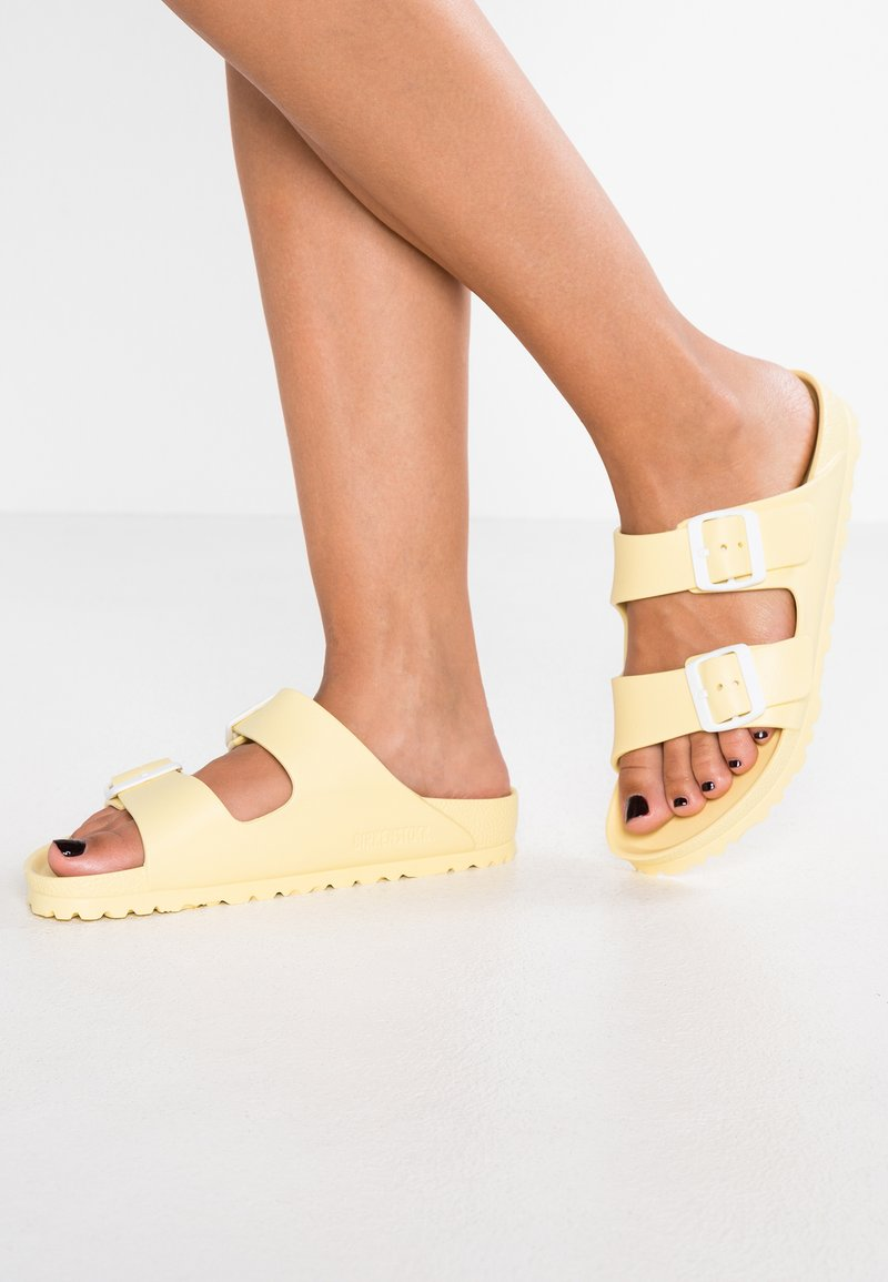 Birkenstock - ARIZONA - Sandali da bagno - soft yellow