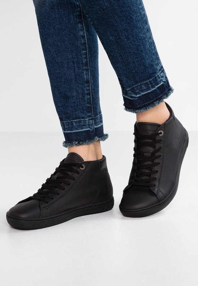 LEVIN MID WOMEN - Korkeavartiset tennarit - black