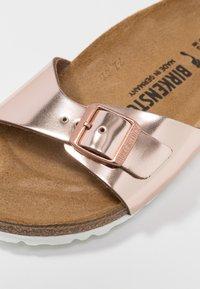 Birkenstock - MADRID - Pantoffels - metallic copper - 2