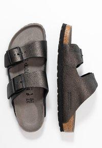 Birkenstock - ARIZONA - Pantuflas - washed metallic/antique black - 3