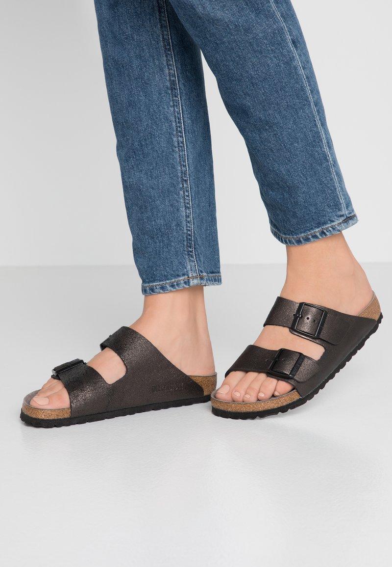Birkenstock - ARIZONA - Slippers - washed metallic/antique black