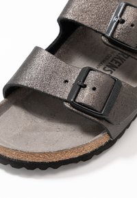 Birkenstock - ARIZONA - Pantuflas - washed metallic/antique black - 2