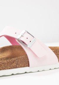 Birkenstock - GIZEH - T-bar sandals - brushed rose - 2