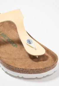 Birkenstock - GIZEH VEGAN - T-bar sandals - brushed vanilla - 2