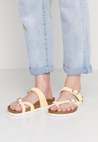 Birkenstock - MAYARI  - T-bar sandals - brushed vanilla - 0