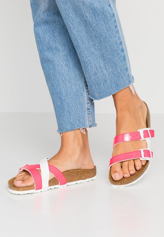YAO - Sandaler - neon pink/white