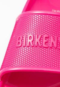 Birkenstock - BARBADOS - Sandały kąpielowe - beetroot purple - 2