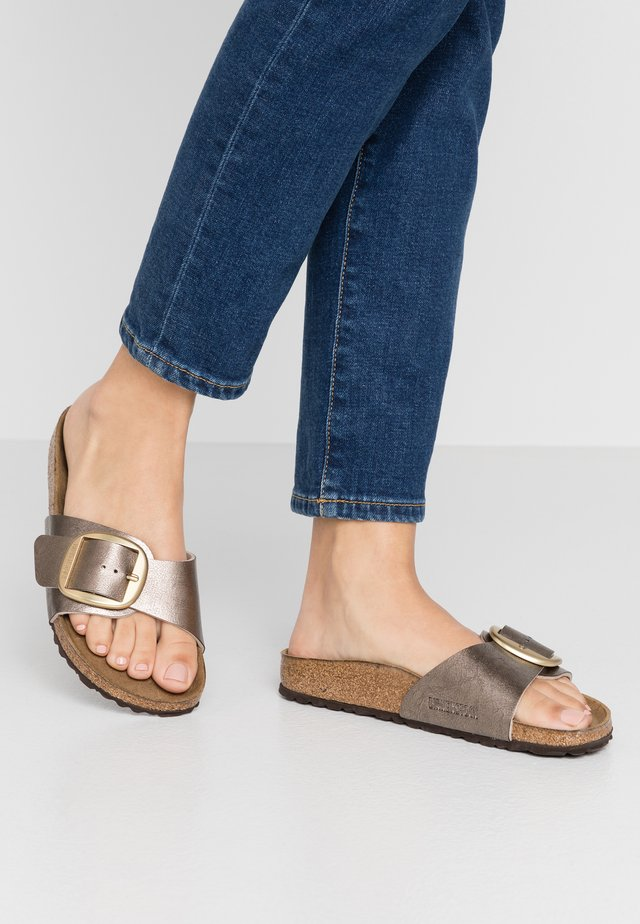 MADRID BIG BUCKLE - Slippers - graceful taupe
