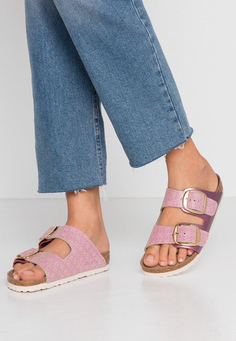 Birkenstock - ARIZONA BIG BUCKLE - Domácí obuv - pink