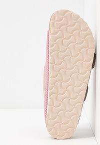 Birkenstock - ARIZONA BIG BUCKLE - Domácí obuv - pink - 6