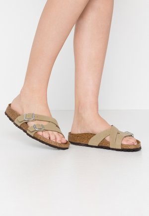 YAO - Pantuflas - brushed mud green