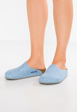 AMSTERDAM - Pantuflas - light blue