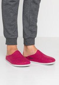 Birkenstock - AMSTERDAM - Domácí obuv - pink - 0